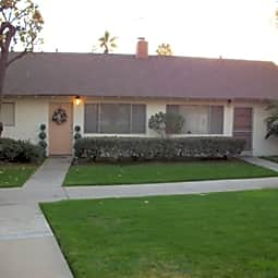 Eastridge Terrace Garden Apartments - Whittier, California 90604