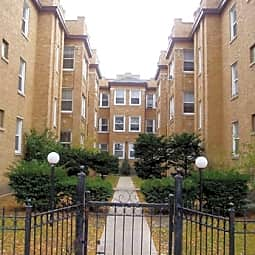 5045-61 North Damen Avenue - Chicago, Illinois 60625