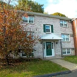 Van Deene Manor Apartments - West Springfield, Massachusetts 1089