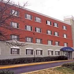 Berkeley Apartments - Arlington, Virginia 22206
