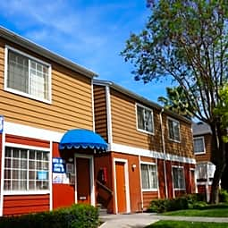 Plymouth Manor Apartments - Riverside, California 92503