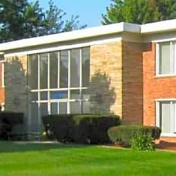 Lakeshore Apartments - Saint Clair Shores, Michigan 48081