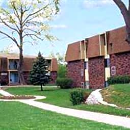 Fontainebleau Apartments - Bellevue, Nebraska 68005
