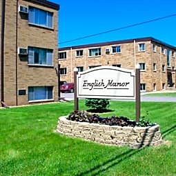 English Manor Apartments - Maplewood, Minnesota 55109