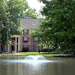 Fountain Lake Apartments - Fort Wayne, Indiana 46835