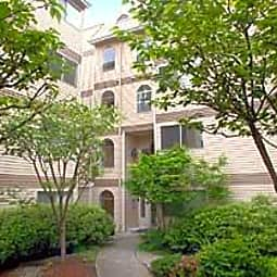 McGuire Court - Seattle, Washington 98125