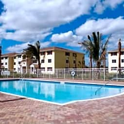 Golden Villas Apartments - Pompano Beach, Florida 33069