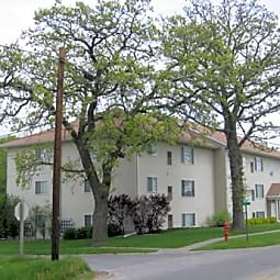 Robert's Apartments - Newton, Iowa 50208