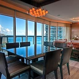 ICON Brickell Viceroy - Miami, Florida 33131