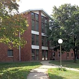 Greenfield Park Apartments - West Allis, Wisconsin 53214