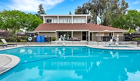 Brookside Oaks Belleville Way Sunnyvale Ca Apartments For Rent