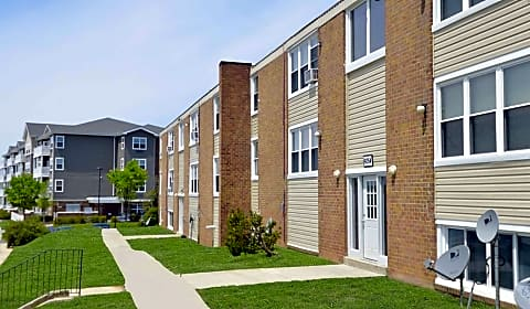 Moravia Gardens Amberwood Road Suite A4 Baltimore Md Apartments For Rent