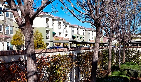 FountainGlen Valencia 55+   Decoro Dr | Valencia, CA Apartments For Rent |  Rent.com®