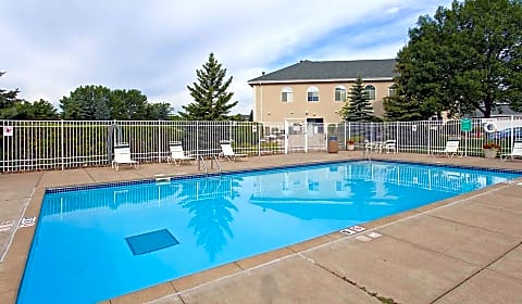 The Summit Townhomes Mcandrews Road West Burnsville Mn Townhomes For Rent