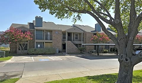 Montoro Apartments West Pioneer Drive Irving Tx Apartments For Rent