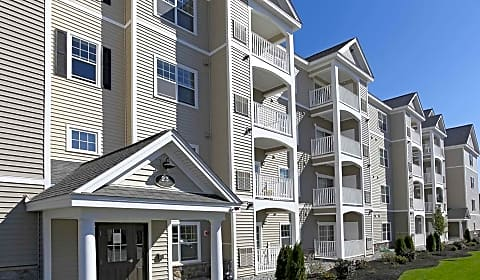 Village Green Littleton Boxwood Drive Littleton Ma Apartments For Rent