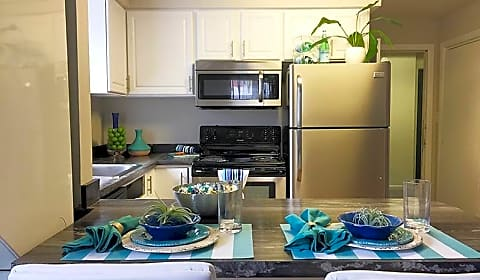 alpine commons belchertown road amherst ma apartments for rent. Black Bedroom Furniture Sets. Home Design Ideas