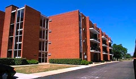 Woodward north apartments west thirteen mile road royal oak mi apartments for rent for 2 bedroom apartments royal oak mi