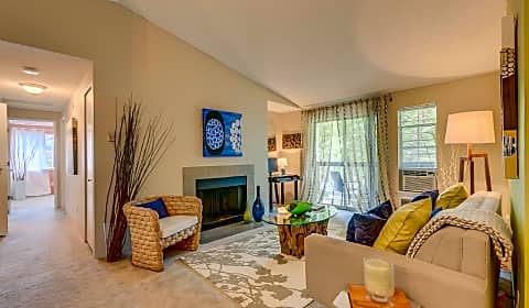Cedar crest sw mueller drive beaverton or apartments for rent for 3 bedroom apartments in beaverton oregon