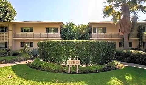 1 Bedroom 1 Bath Apartment For Rent In Pasadena S Orange Grove Blvd Pasadena Ca Apartments