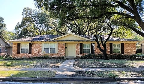 5 bedroom 2 bath brick home in north dallas satsuma dr dallas tx houses for rent for 2 bedroom house for rent in dallas tx