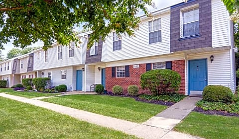 Lakefield mews apartments and townhomes lakefield mews - Cheap one bedroom apartments in richmond va ...