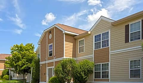 Willow Trace Apartments Taunton Street Plainville Ma Apartments For Rent