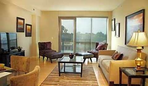 Midtown Crossing Luxury Apartments South 31st Ave Omaha Ne Apartments For Rent