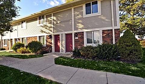 Oakdale square apartments s oakdale drive bloomington - 4 bedroom apartments bloomington in ...