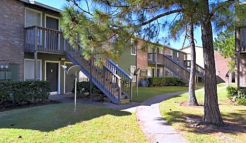 Clear Lake Village Apartment Homes  Bay Area Blvd.  Houston, TX Apartments for Rent  Rent.com\u00ae
