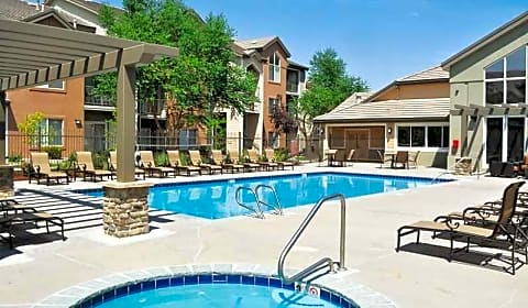 Redstone ranch argonne street denver co apartments for rent for Cheap 3 bedroom apartments in denver co