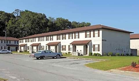 Magnolia Square Apartments W 54th St Savannah Ga Apartments For Rent