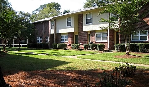 Aden Park Apartments  Weaver Dr Virginia Beach Va