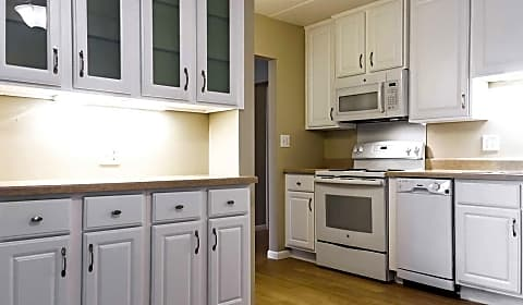 lincoln center senior apartments n central avenue chisholm mn apartments for rent rentcom - Lincoln Center Kitchen