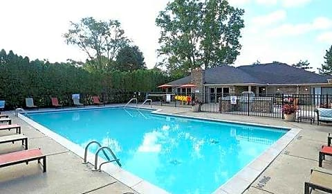 Canterbury Park Mayfield Ave Livonia Mi Apartments For Rent