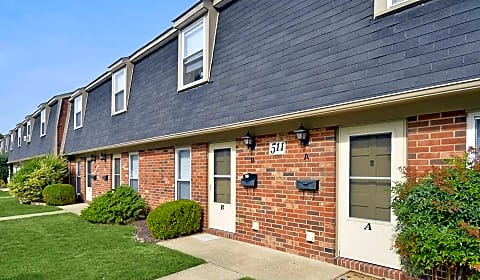 Oak Hill Townhomes 714 H Riverside Drive Salisbury Md Apartments For Rent