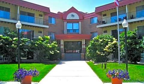 The Bluffs Of Burnsville Selkirk Drive Burnsville Mn Apartments For Rent