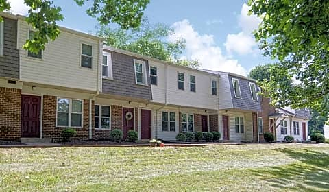 Old mill townhomes mill stream lane lynchburg va townhomes for rent for 2 bedroom apartments in lynchburg va