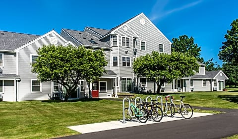 mill valley estates riverglade drive amherst ma apartments for rent. Black Bedroom Furniture Sets. Home Design Ideas