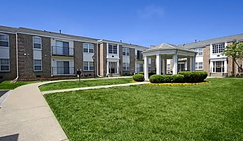 King George River Chase Court Louisville Ky Apartments For Rent Rent Com 174