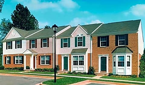 Carlson Woods Townhomes Village Of Pine Court 2d Baltimore Md Townhomes For Rent