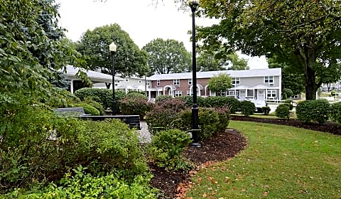 Georgetowne Homes Georgetowne Drive Hyde Park MA Apartments For Rent R