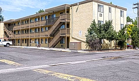 Parkwood Plaza South Irving Denver Co Apartments For Rent