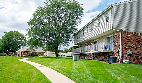 Terrace garden townhomes grand plaza omaha ne apartments for rent for Cheap one bedroom apartments in omaha ne