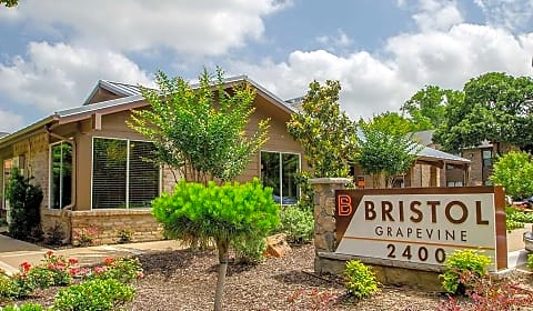 Bristol Grapevine Apartments - Timberline Drive ...