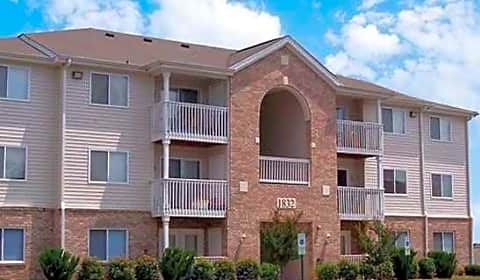 Twin Cedars I Ii 20th Avenue Drive Northeast Hickory Nc Apartments For Rent