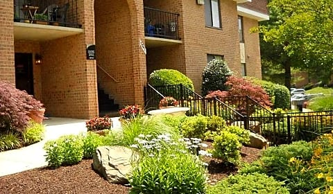 Oakton Park Apartments Willow Crescent Drive Fairfax Va Apartments For Rent