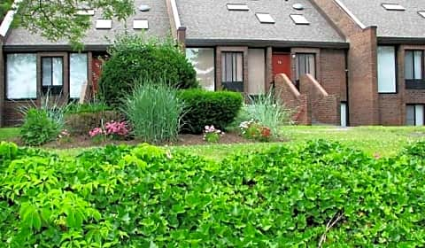 Briarwood Hill Apartments - State Street | North Haven, CT ...