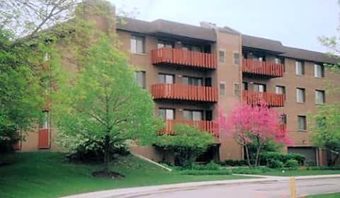 Americana apartments lake cook rd highland park il apartments for rent for 3 bedroom apartments in lake county il