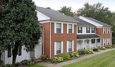 Woodside terrace apartments parklane nw canton oh apartments for rent for 3 bedroom apartments in canton ohio